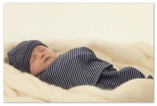 Свободное пеленание новорожденного