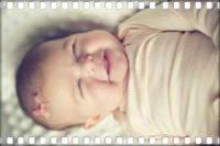 Первая улыбка ребенка