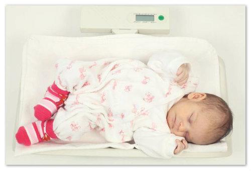 Прибавка в весе у новорожденного.