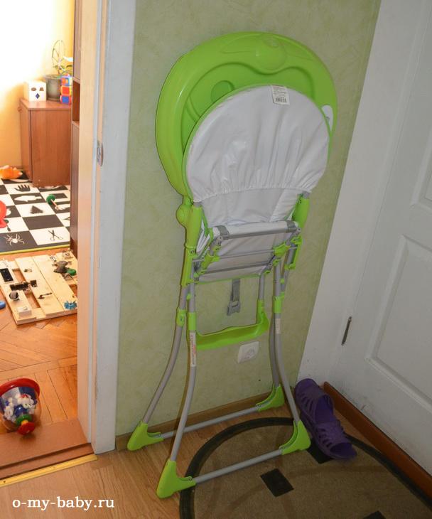 С сложенном состоянии стульчик занимает совсем немного места — он стоит у стены.