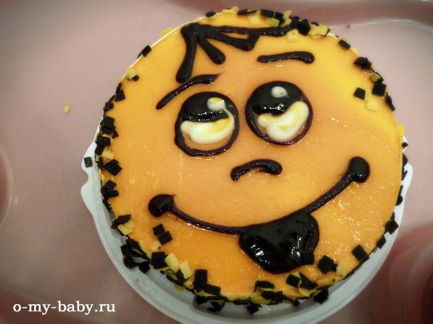 Торт в виде колобка.