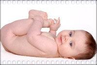 Голенький младенец
