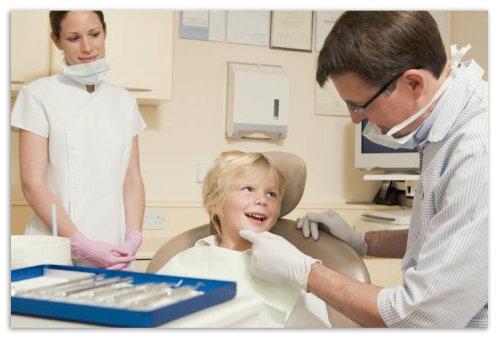 В кресле у стоматолога