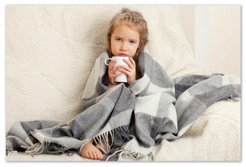 Ребёнку надо пропотеть. Гломерулонефрит сопровождается сонливостью, вялостью и заторможенностью.