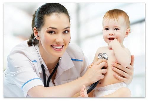 Ребёнок на приёме у врача.