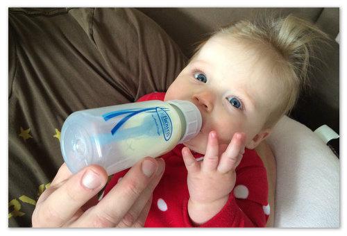 В чём преимущества противоколиковых бутылочек?