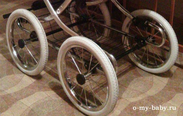 Белые колёса.