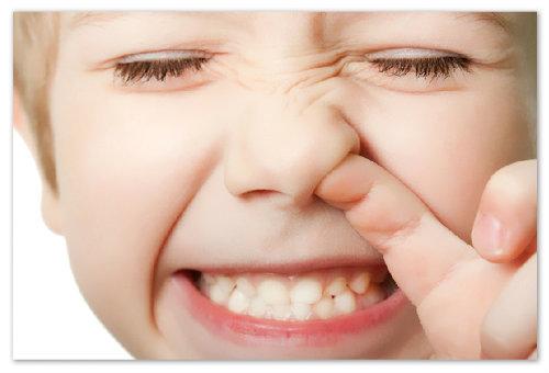 Как отучить детей ковырять в носу?