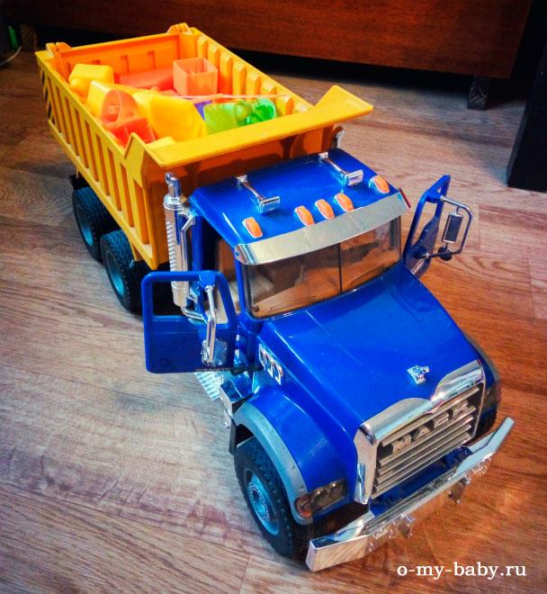 Детская машина.