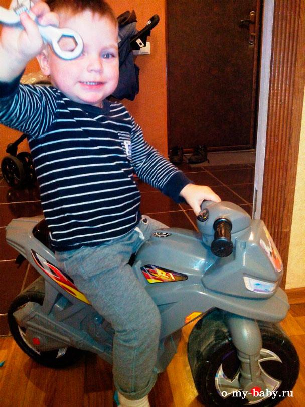 Юный мотоциклист.