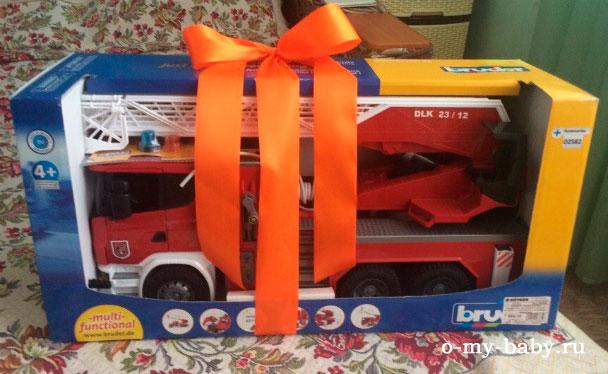 Детская пожарная машина.