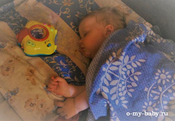 Спящий ребёнок.